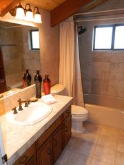 Lake Arrowhead cabin photo - 2nd master bathroom (3rd flr)