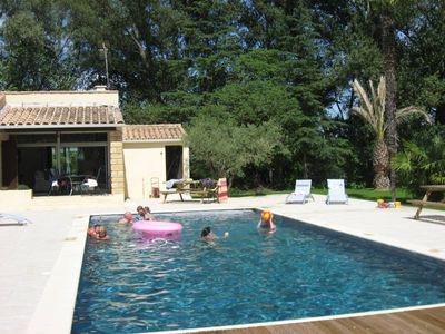 Two beautiful villas (8 rooms, 17 pers.) Contiguous with large heated pool and tennis court