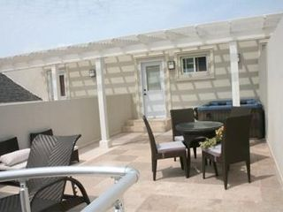 Providenciales - Provo condo photo - Fully furnished upper level terrace with hot tub