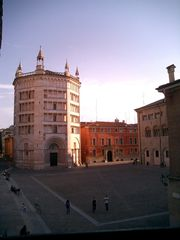 Parma hotel photo - The Palazzo From 'Piazza Duomo'