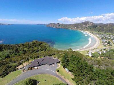 image for Amazing lodge over looking Taupo Bay, stunning!