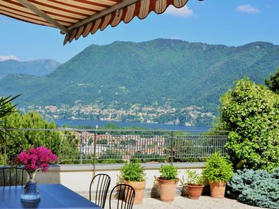 COMO AT HOME - 2 Bedrooms - Lake view Terrace - Private garden - Free parking