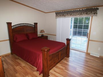 Master Bedroom - Queen Size