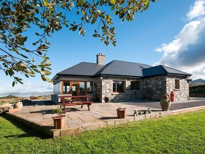 Atlantic Way House - Elegant Holiday Home in Stunning Connemara Location