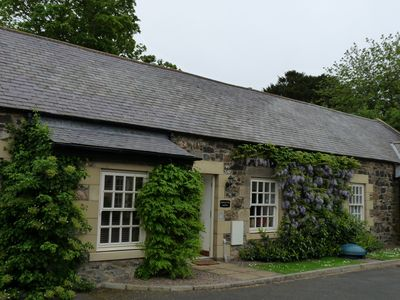 Coastal stone cottage close to Bamburgh and Budle Bay, use of Pool & Spa