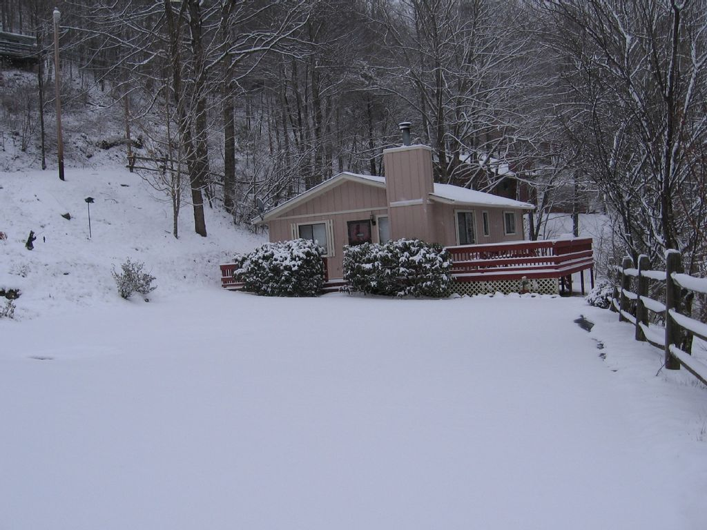 Ski cataloochee a beary cozy cottage only 3 vrbo for Ski cottage