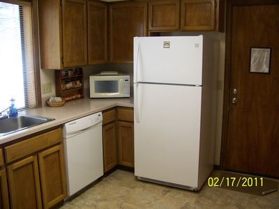 Fully equipped, updated kitchen with new appliances
