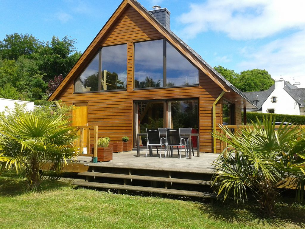 Nice wooden house in green setting with homeaway m r for Tours of nice houses