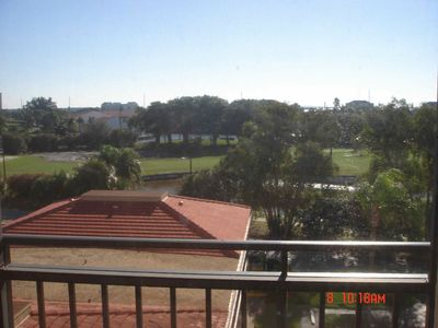 Isla del Sol condo rental - Standing in the balcony