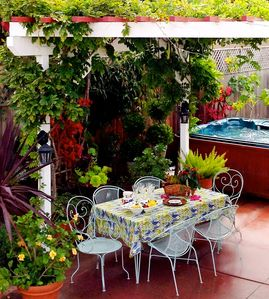 Santa Cruz house rental - Dine outside on warm evenings