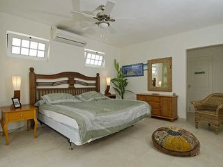 Bonaire villa photo - Kingsize bed in Master bedroom