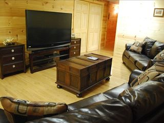 Branson house photo - Family Room with 65' HD Big Screen TV!