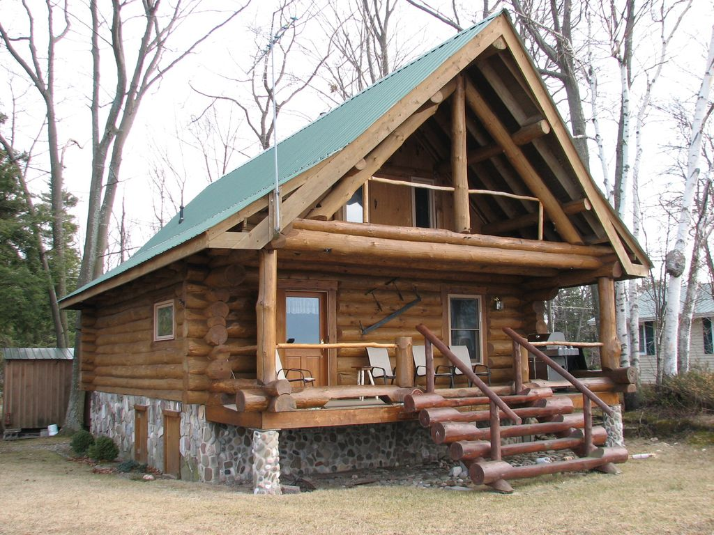 Log Cabin on Lake Ontario Vacation Cabin for Rent in