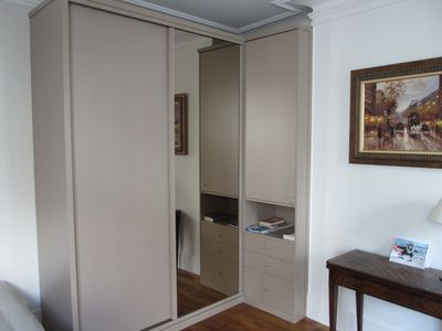 17th Arrondissement Batignolles-Monceau apartment rental - Dressing