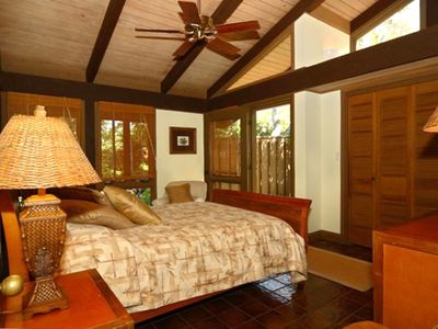 Mauna Kea house rental - Third bedroom with queen bed and attached bath