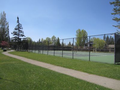 Tahoe Keys Association tennis courts