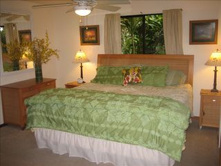Kailua Kona house photo - Main bedroom with King bed.