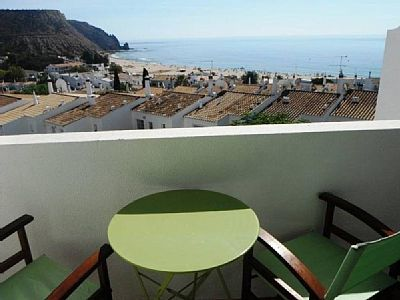 Top floor apartment w/ lovely Panoramic Beach Views
