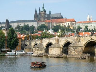 The Charles bridge with the Prague castle