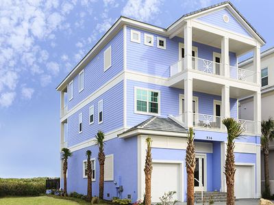 Ocean front Sea Gem has 8 bedrooms, elevator, pool, heated spa