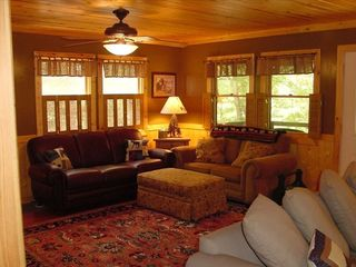 Clayton cabin photo - Family Room with flat screen TV, DVD, and Wifi