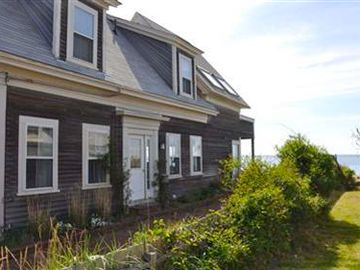 Provincetown house rental - Main entrance/driveway.