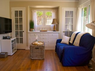 La Jolla cottage photo - Living rom