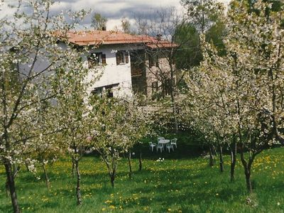 Flat in a typical country house of stone and wood with a big garden near Sestola and Tuscany