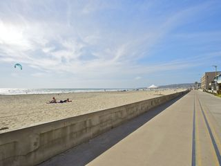 Mission Beach apartment photo - The ocean is just a short walk (2-3 minutes) away from the house