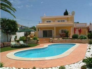Laranjeira villa rental - Pool and terrace