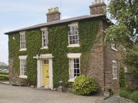 COURTYARD COTTAGE, country holiday cottage in Wootton, Ref 4055