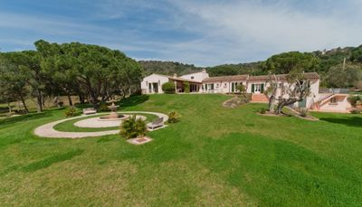 Fontana- 7bd traditional villa with hotel amenities near St. Tropez