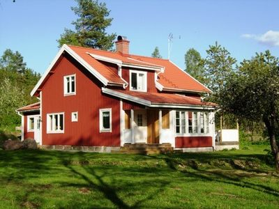 Harabygget - charming red/white house close to nature