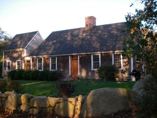 Gayhead - Aquinnah house photo - Front of house early morning