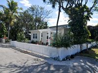 Adorable Bungalow in the heart of Key Largo