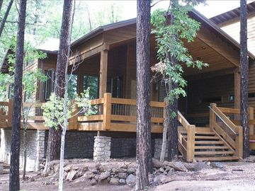 Pinetop cabin rental - Front Deck 1