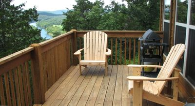 Private deck with outstanding view of the valley and river ( North)