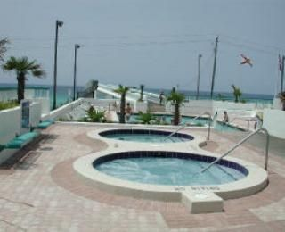 2 Lage Hot Spas and pool overlooking Gulf
