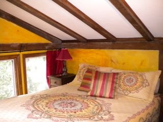 Mena cottage photo - Yellow Bedroom