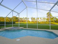 25 minutes to Disney - heated pool and spa overlooking a golf course