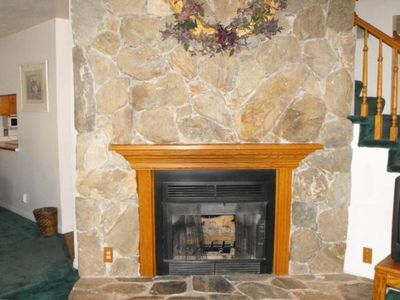 Liviing room gas fireplace