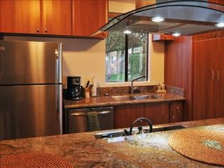 Rancho Mirage house photo - Gourmet kitchen, granite counter tops, new stainless steel appliances