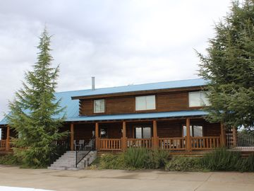Sutter Creek cabin rental - Main Cabin