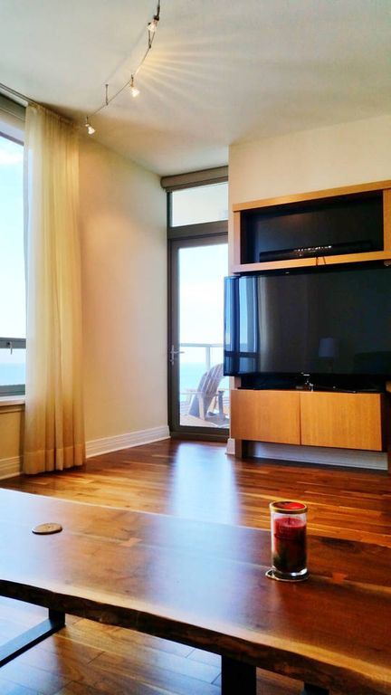 luxury high rise condo in downtown chicago one bedroom apartment