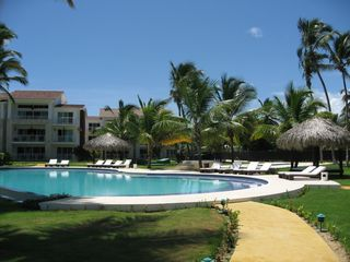 Punta Cana condo photo - Infinity pool, spa and children's pool