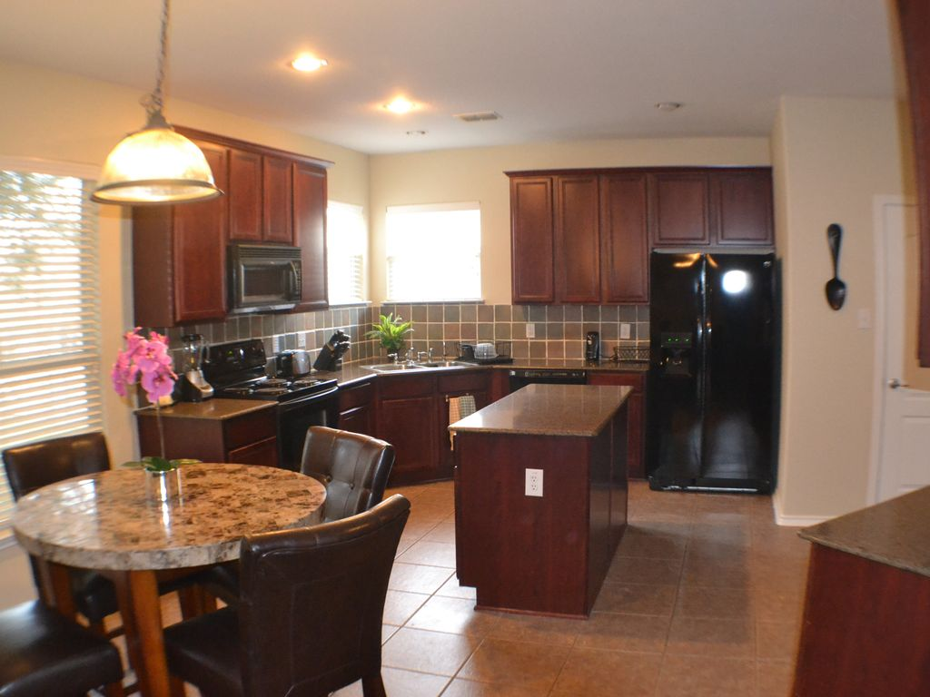beautiful two story home, 4 bedroom, handicapped accesible san