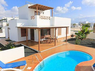 Delightful villa with pool close to sandy beach