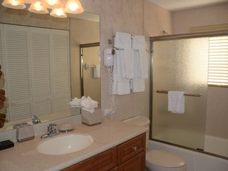 Grand Cayman condo photo - Guest Bathroom