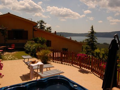 Holiday Villa Glicine  with Jacuzzi, pool and view at Lake  near Rome