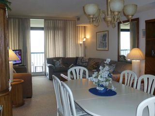 Virginia Beach condo photo - Dining/Living Area